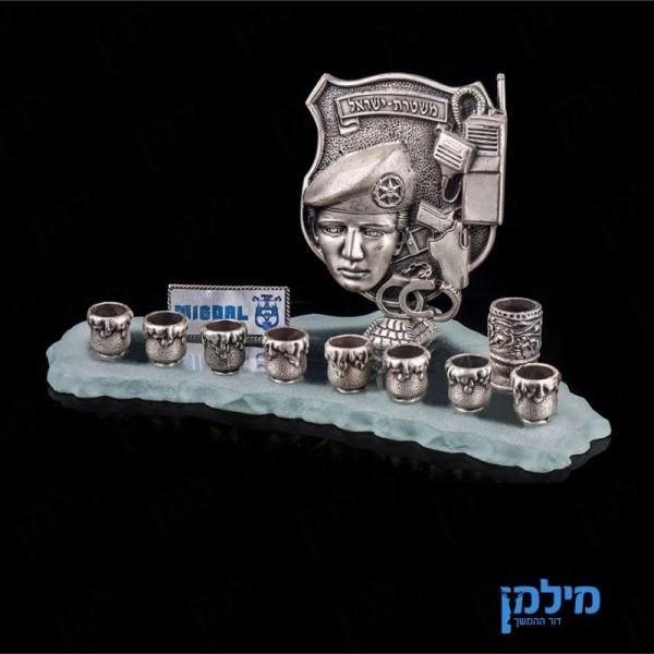 חנוכיית משטרת ישראל בעיצוב אישי